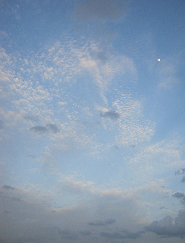 mooon and cloud IMG_0046 27.7.15